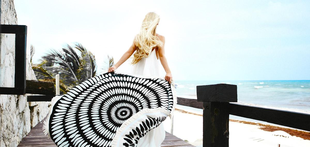 les sacs et accessoires de plage les meilleures boutiques en ligne shop online nettement chic. Black Bedroom Furniture Sets. Home Design Ideas
