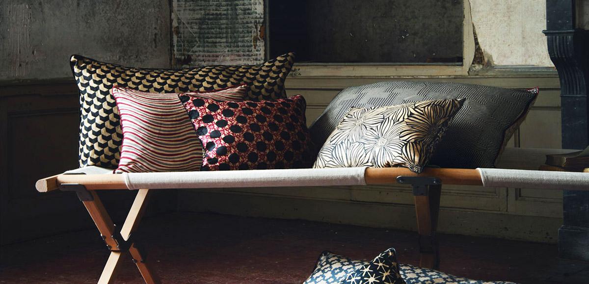 cushions the best online shops nettement chic. Black Bedroom Furniture Sets. Home Design Ideas